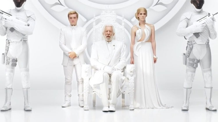 hunger-games-mockingjay-trailer-comic-con-2014-lionsgate